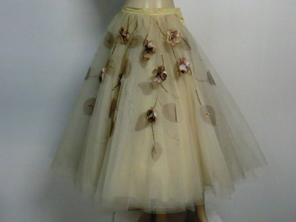 50s Full Tulle Skirt with Silk Flower and Leaf Applique 2