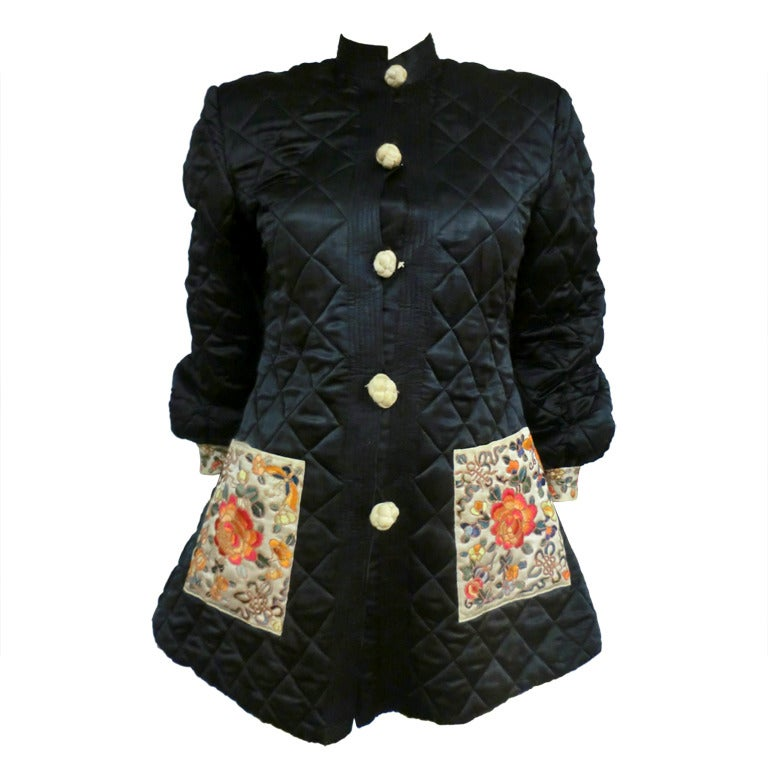 1920's Art Deco Chinese Quilted Silk Satin and Embroidered Jacket For Sale