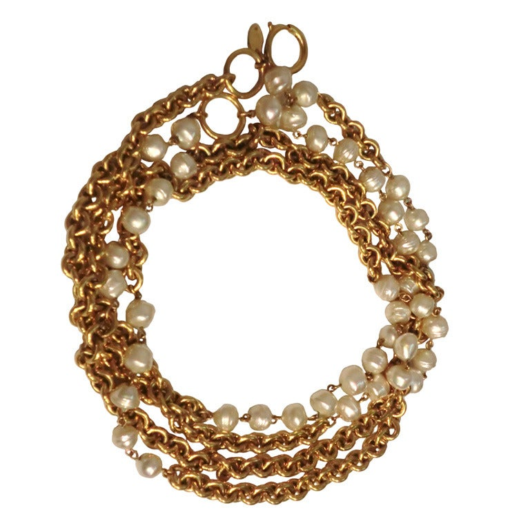 "1980s Chanel 40"" Long Baroque Faux Pearl and Gold Chain Necklace For Sale"