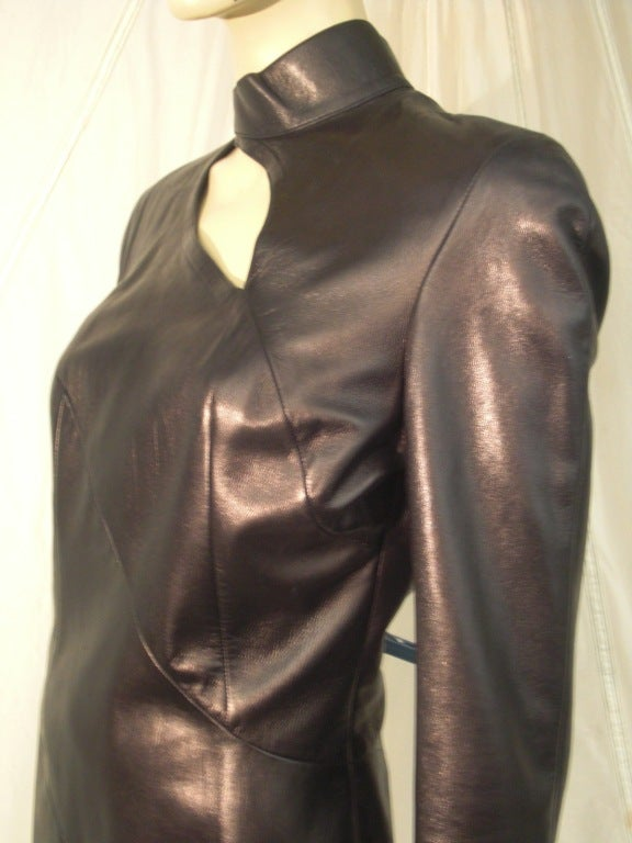 1980s Thierry Mugler Sculpted Leather Dress w/ Cutout In Excellent Condition For Sale In San Francisco, CA