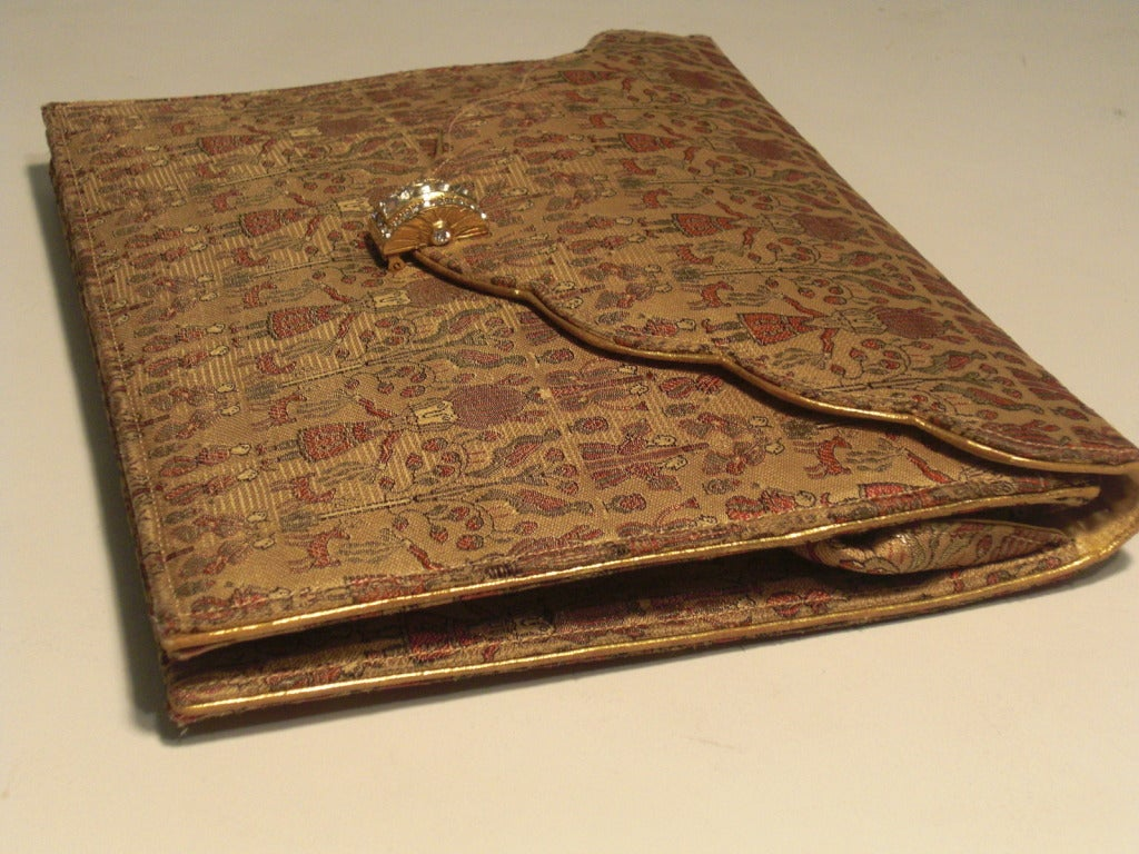 1930s Figural Silk Brocade Clutch with Rhinestone Clasp and Gold Piping 4