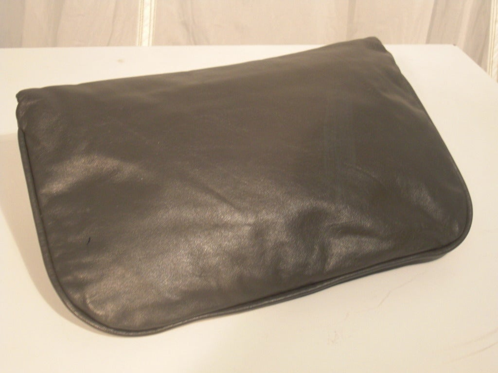 1980 Moon Bag Gray Leather Clutch w/ Hand Painted Lucite Closure 2