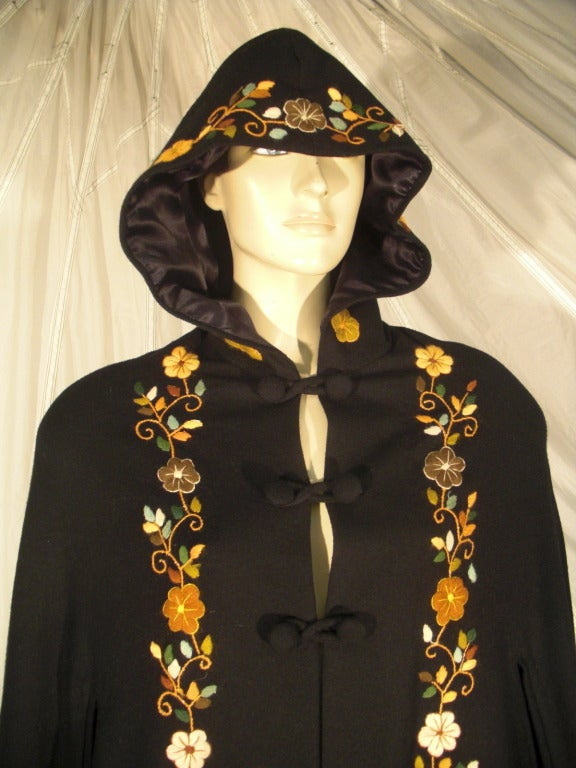 Women's 1970s Lightweight Wool Cape with Lovely Crewel Work Back Panel and Hood For Sale