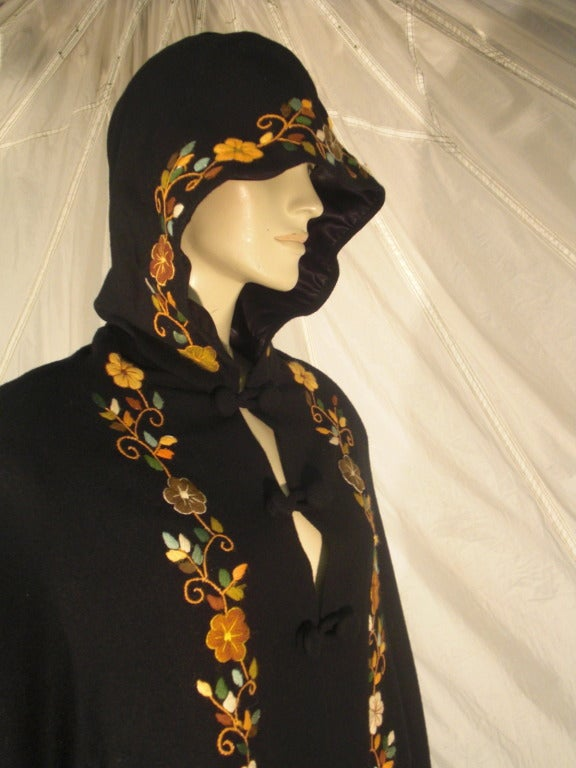 1970s Lightweight Wool Cape with Lovely Crewel Work Back Panel and Hood For Sale 3