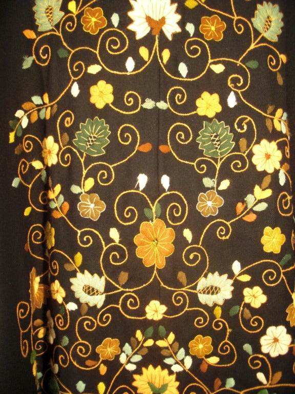 1970s Lightweight Wool Cape with Lovely Crewel Work Back Panel and Hood For Sale 2