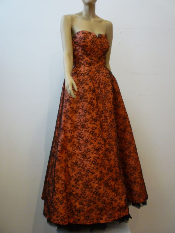 Couture Dior 1950s Silk Taffeta and Lace Ballgown 2