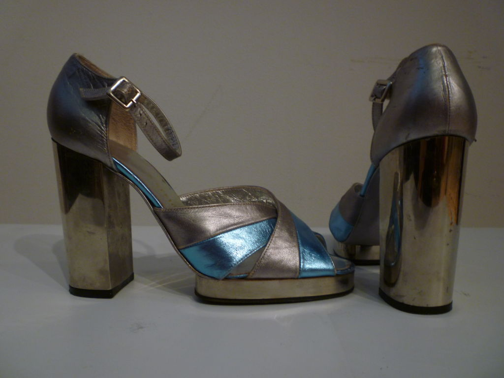 Women's Fab Walter Steiger Disco Platform Sandal in Metallic Leather For Sale