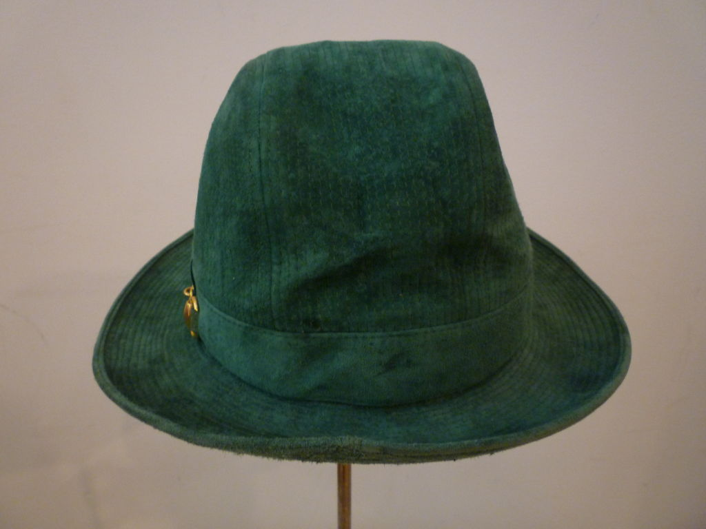 Women's or Men's 70s Gucci Green Trapunto Stitched Suede Hat w/ Toggle For Sale