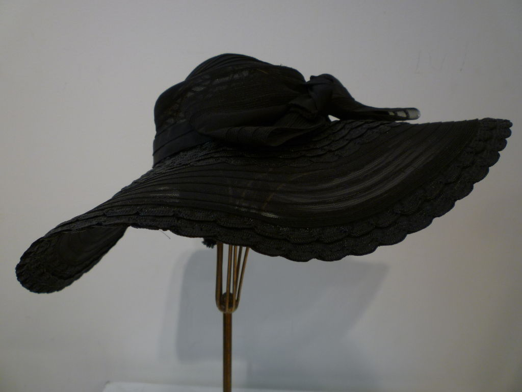 40s black straw and sheer horsehair braid summer hat with back bank.