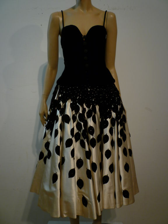 1950s Couture Satin Circle Skirt w/ Leaf Applique 10
