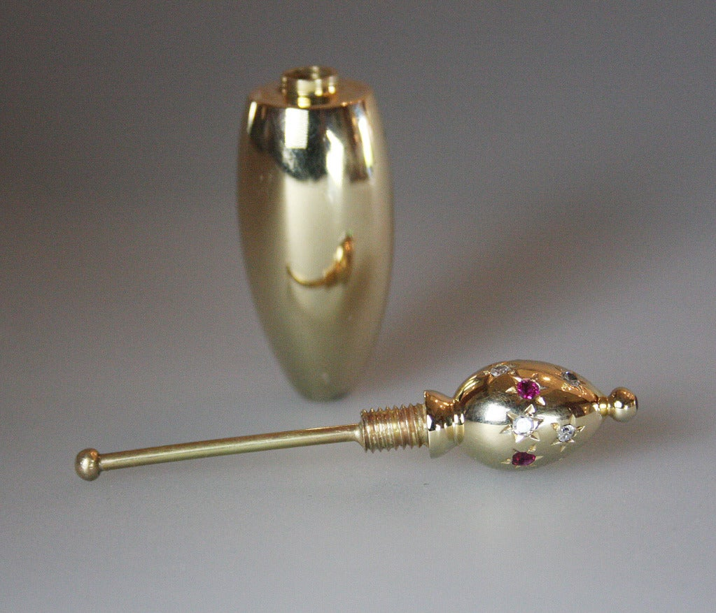 1940s Ruby Diamond Gold Objet d'Art In Excellent Condition For Sale In Coral Gables, FL