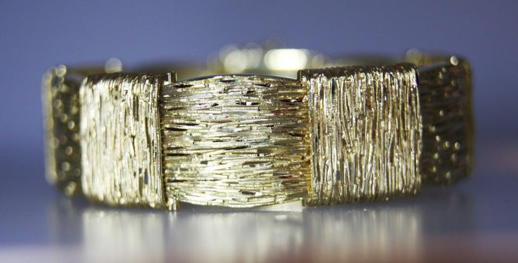 Cartier 18 karat yellow gold bracelet made in France.