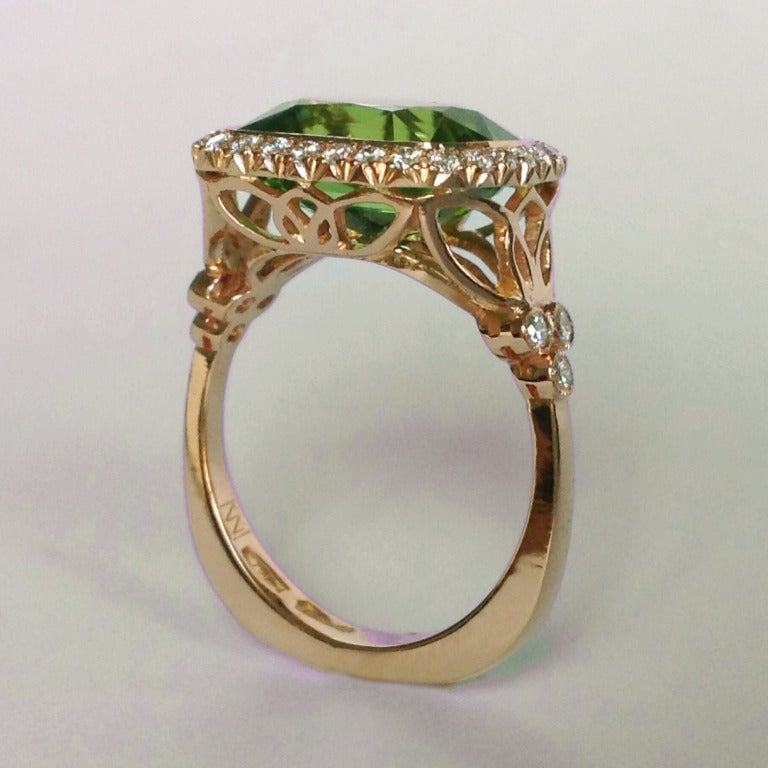 Cushion Cut Dalben Peridot Diamond Gold Ring For Sale