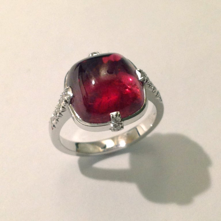 Contemporary Dalben Red Tourmaline Diamond Gold Ring For Sale