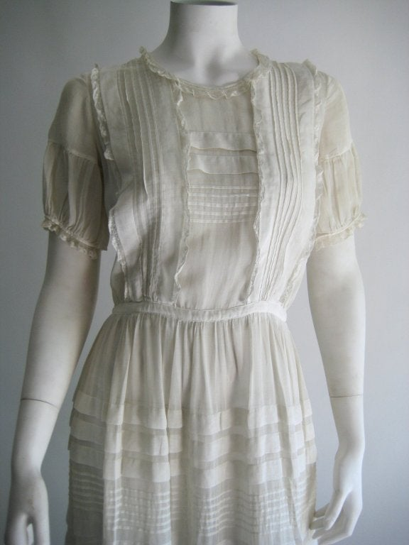 1920s Silk Linen Dress In Excellent Condition For Sale In Long Island City, NY