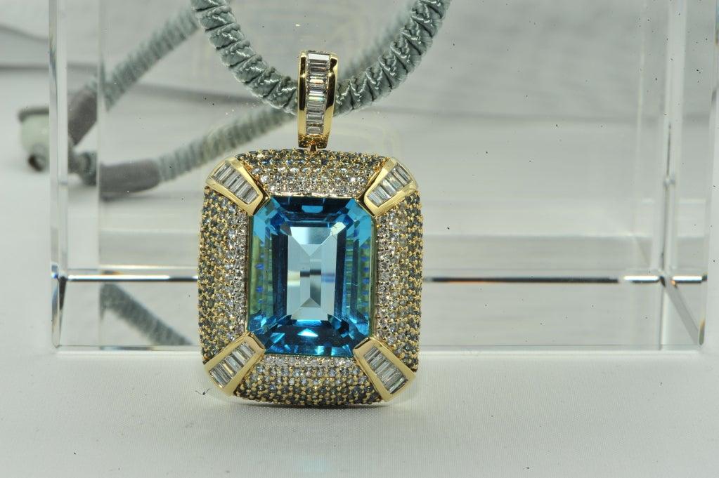 ROBERT WANDER Blue Topaz Sapphire Diamond Pendant  3