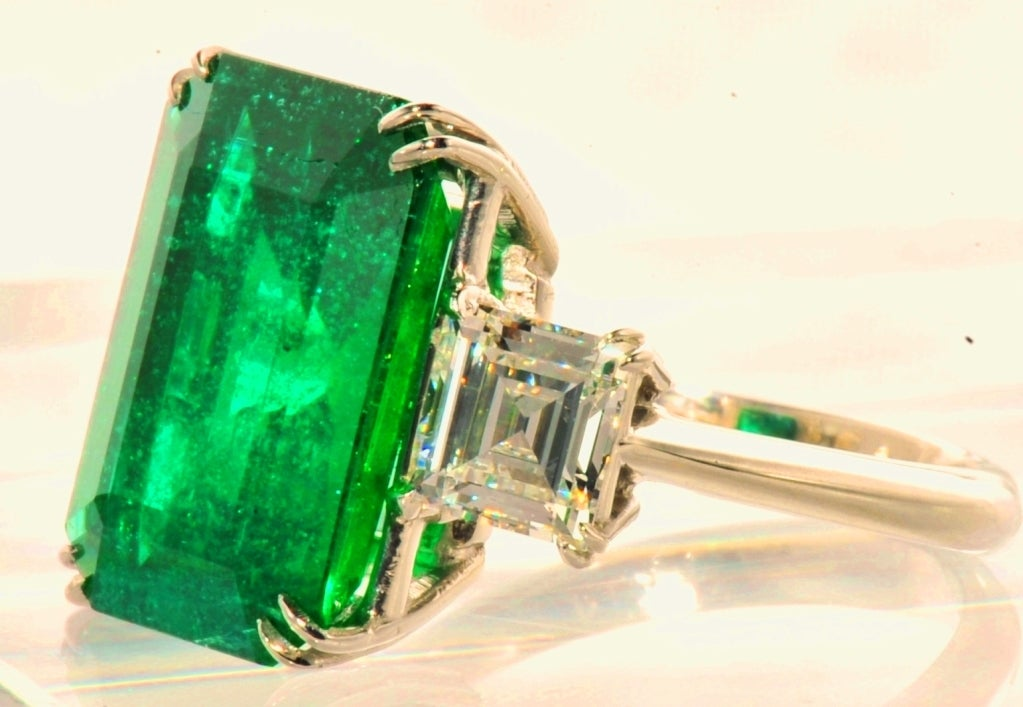 exceptional columbian emerald ring at 1stdibs