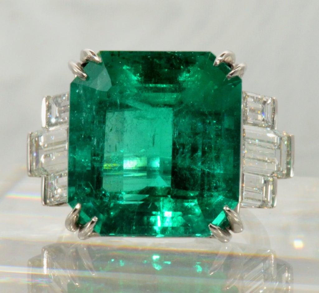 Important 18.48 Carat Emerald and Diamond Ring 2
