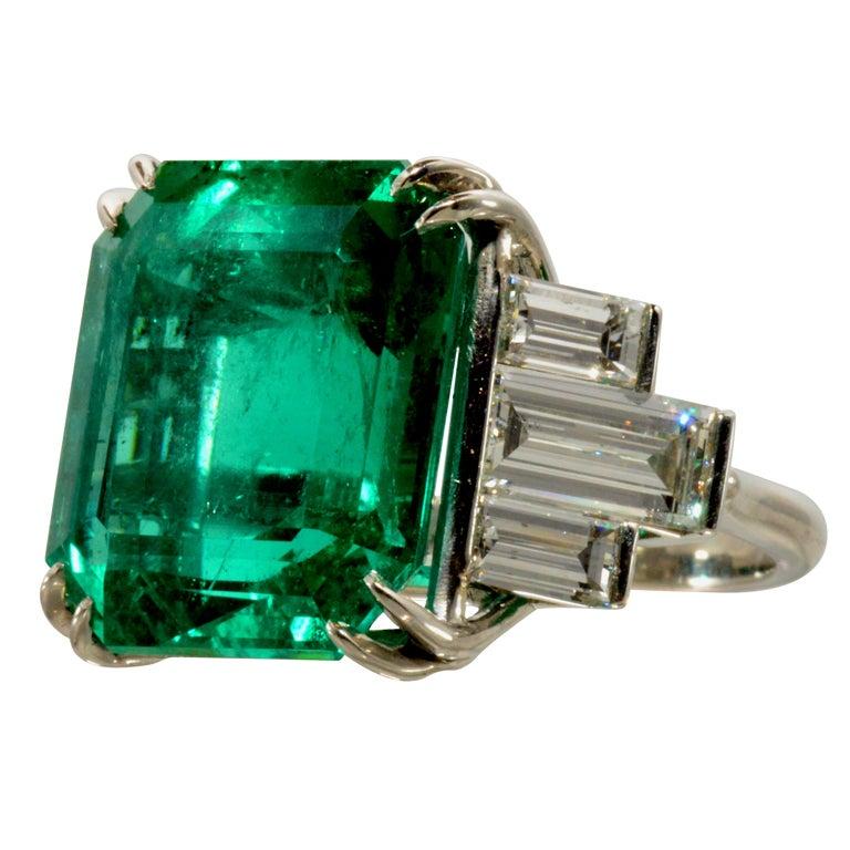 Important 18.48 Carat Emerald and Diamond Ring 1