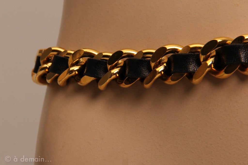 Chanel 1995 black leather and gold metal chain belt 5