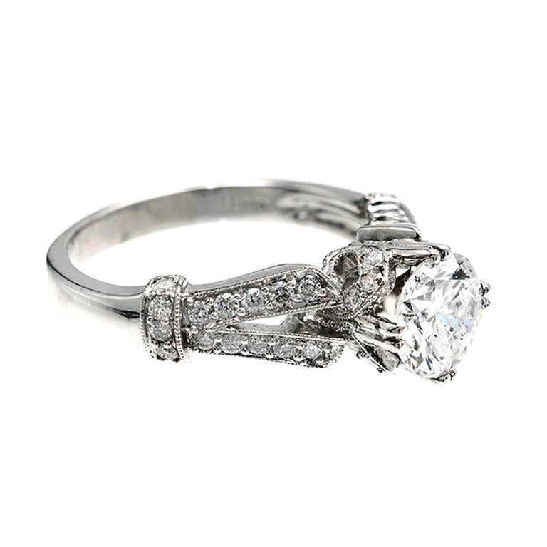 Crown Design Diamond Gold Engagement Ring 2