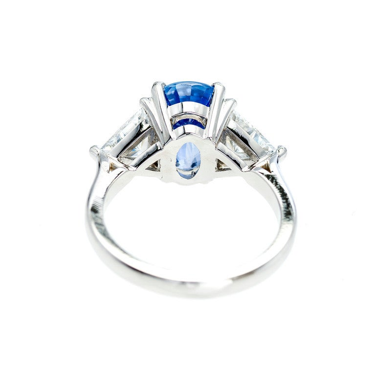 Sapphire Diamond Platinum Three-Stone Engagement Ring In Good Condition For Sale In Stamford, CT