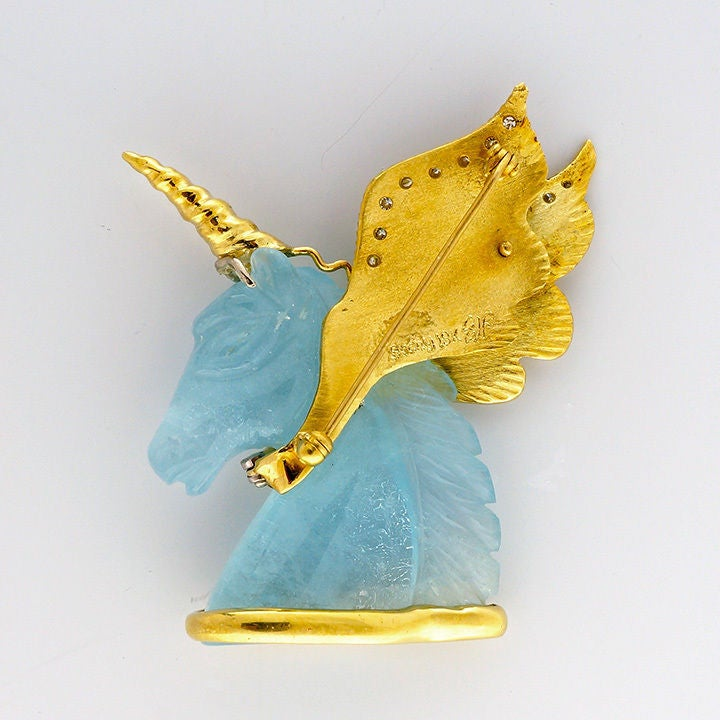 Peter Suchy Natural Carved Aquamarine Gold Unicorn Pin 2