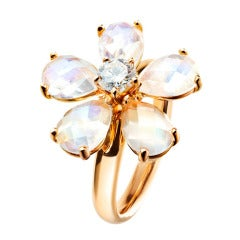 RENESIM Ring with Sparkling Bloom Made of Moonstones