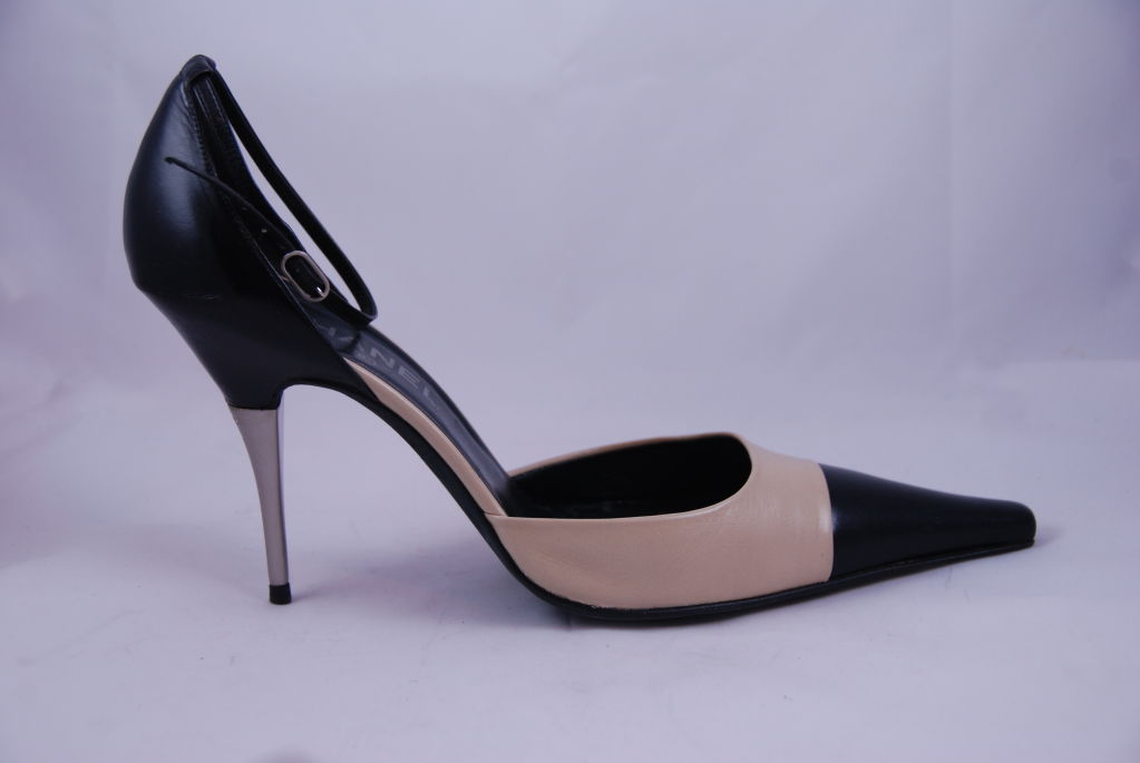 Chanel Ankle Strap Spectator Shoes Sz 42 image 2