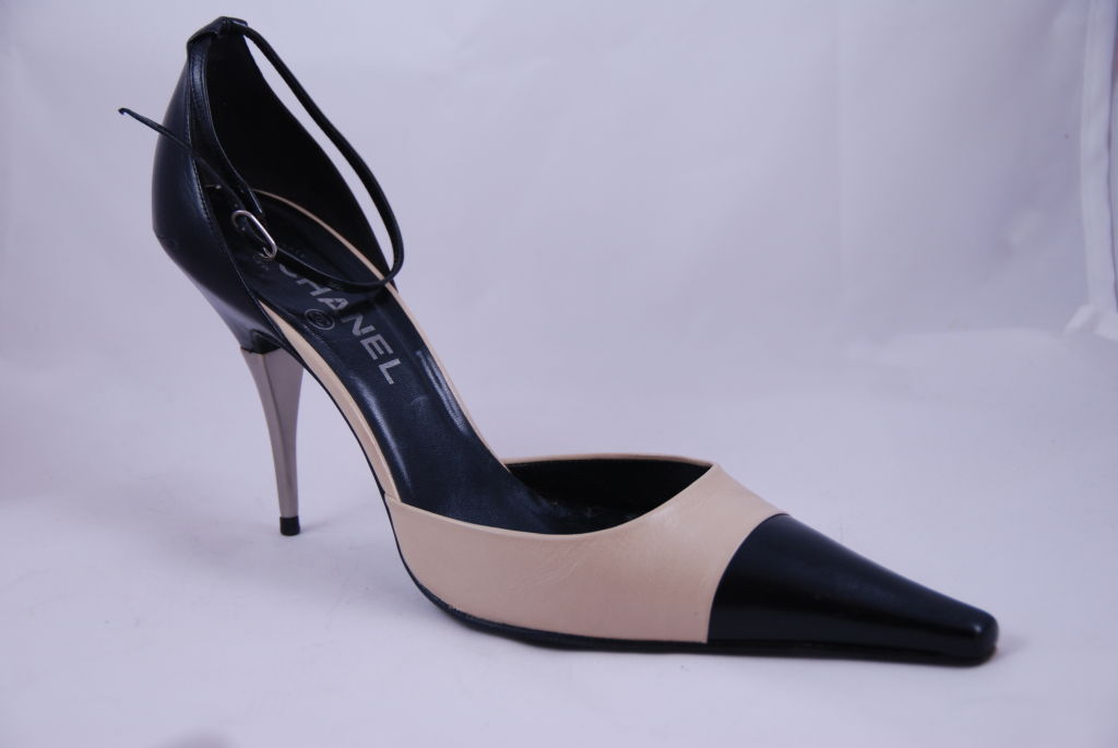 Chanel Ankle Strap Spectator Shoes Sz 42 image 9