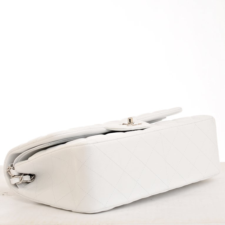 Chanel White Quilted Caviar Jumbo Classic 2.55 Double Flap Bag For Sale 1