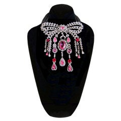 Chanel Haute Couture 1985 necklace a la Madame Pompador