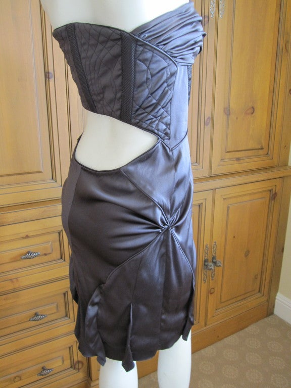 Gucci by Tom Ford gray silk dress with sexy  back sz 44 For Sale 1