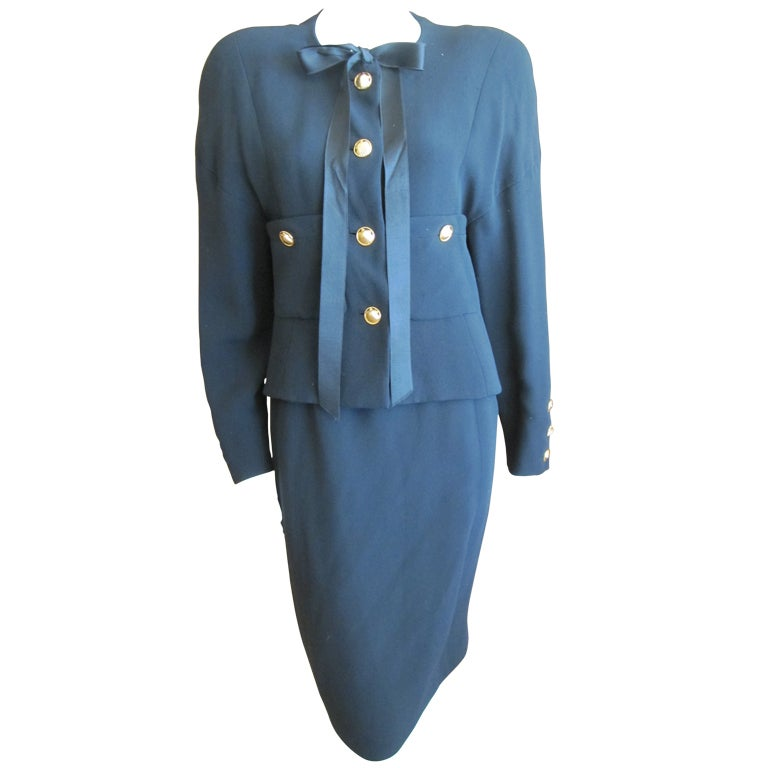 Chanel 80 39 s haute couture suit at 1stdibs for Haute couture suits