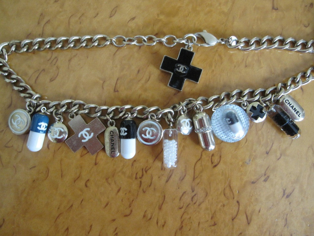 Chanel Impossible to find PILL necklace 2007 8