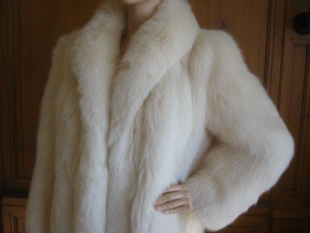 Women's Revillon Luxurious Artic White Fox Fur Coat sz L For Sale