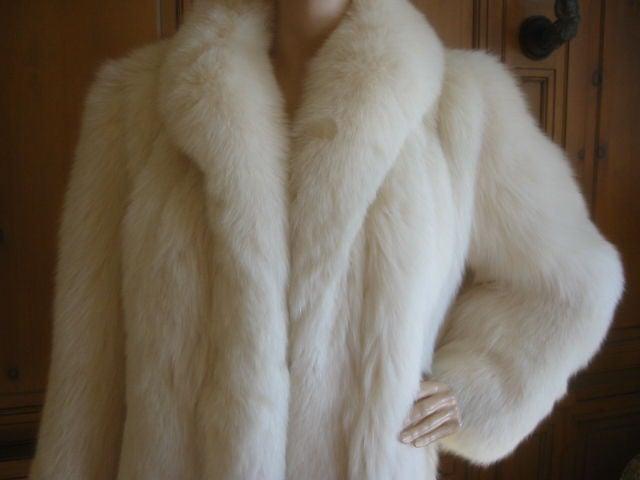 Revillon Luxurious Artic White Fox Fur Coat sz L For Sale 1