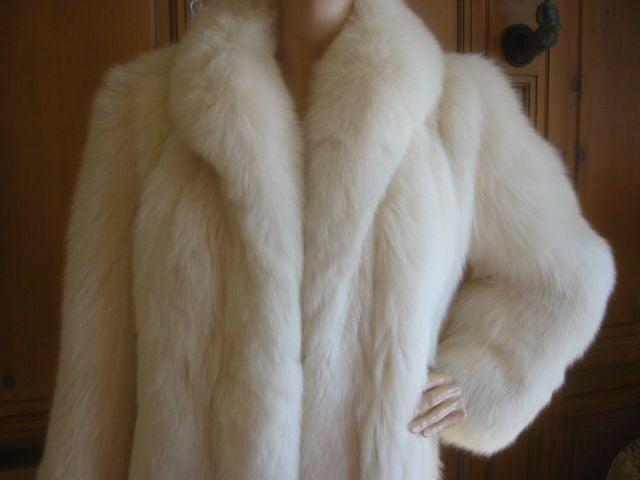 Revillon Luxurious Artic White Fox Fur Coat sz L For Sale 2