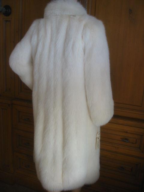 Revillon Luxurious Artic White Fox Fur Coat sz L For Sale 4