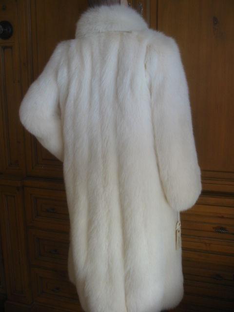 Revillon Luxurious Artic White Fox Fur Coat sz L For Sale 5