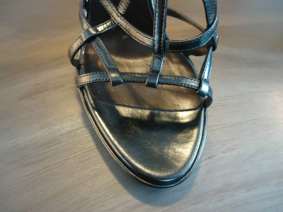 Roberto Cavalli Laminate Grey Kidskin Leather Sandal Size 39(It) 4