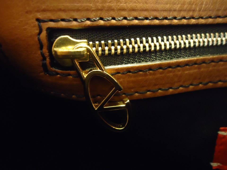 Valentino Garavani Soft Leather Handbag 7
