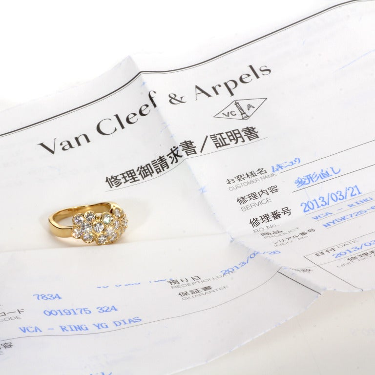 Modern Van Cleef & Arpels Fleurette Diamond Gold Ring For Sale
