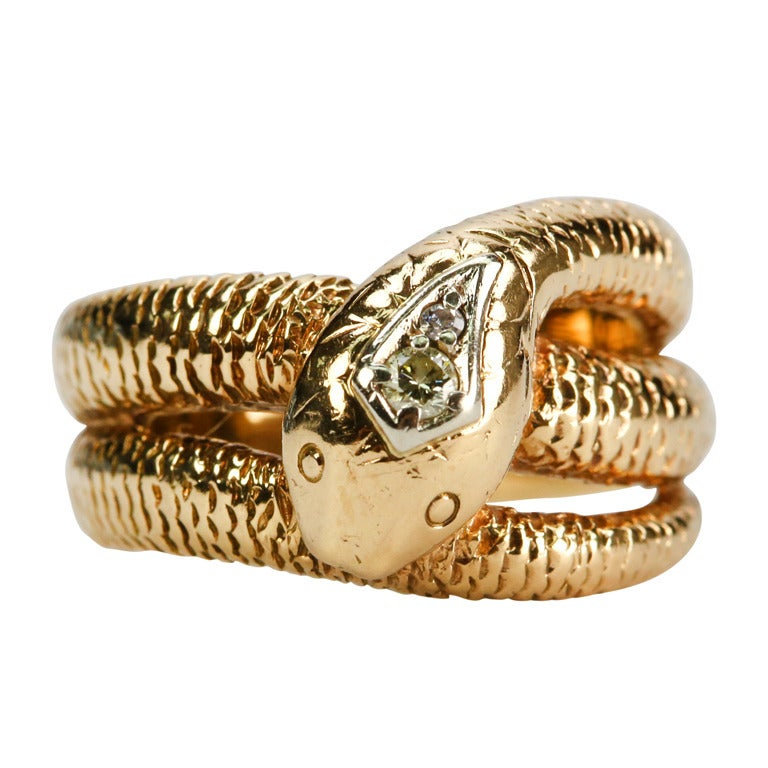 золотое кольцо в виде змеи