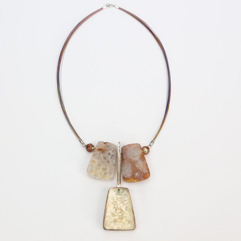 Beautiful and Unique Necklace comprising High Quality Natural
