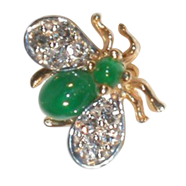 Emerald Diamond Gold Fly Brooch Pin For Sale