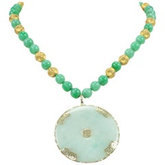 Outstanding Jade Gold Pendant Necklace Estate Fine Jewelry