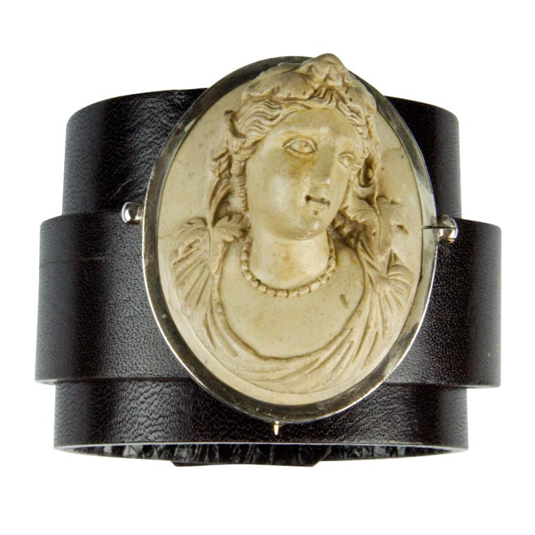 Victorian Lava Cameo Brooch Pin Hand Carved in High Relief 2