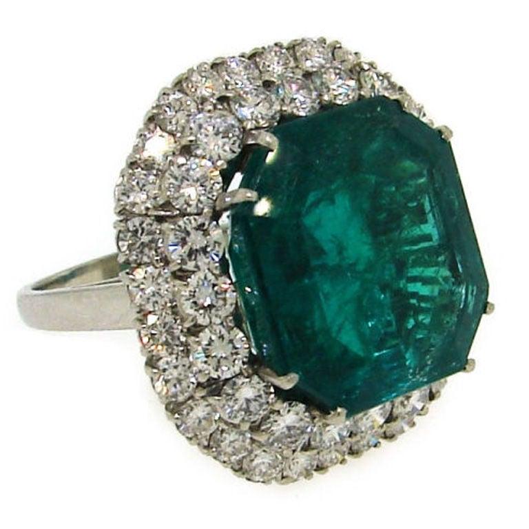 BULGARI 16.15 carats Emerald and Diamond Ring 1