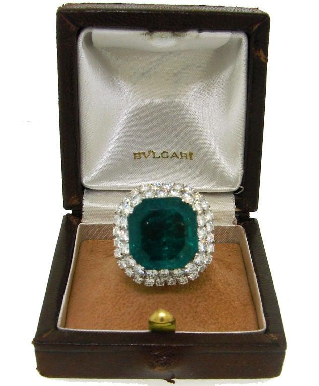 BULGARI 16.15 carats Emerald and Diamond Ring 3